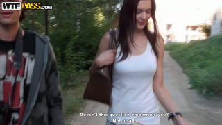 Smoking nasty chick agrees to please a dude in the park