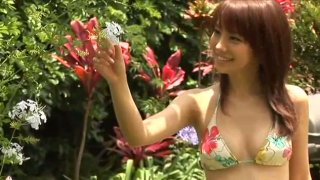Nice Asian chick Azusa Yamamoto demonstrates her body in the yard
