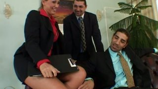 Busyness meeting ends up with threesome for Mandy Bright