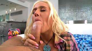 Sammie Spades sucking his fat wide dick and fucks it using her huge tits